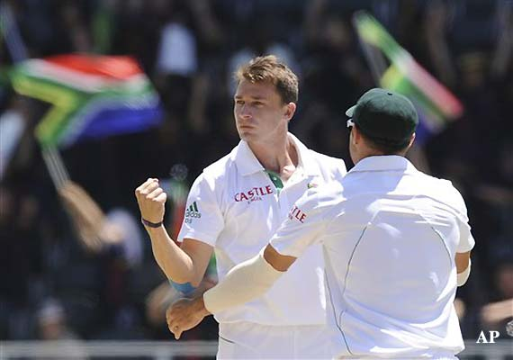 Dale Steyn 11 for 60, Pak beaten by 211 runs in 1st test