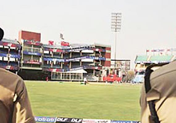 Dew may cause late start of India-Pak Kotla ODI