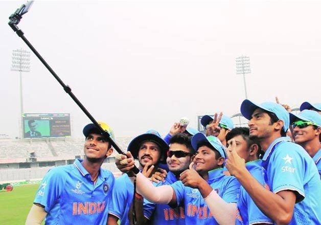 India defeats Sri Lanka to enter...