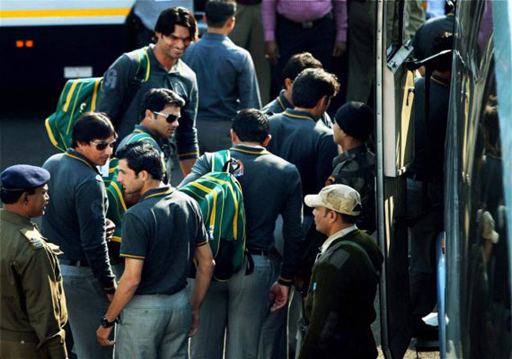India, Pakistan teams arrive in Kolkata