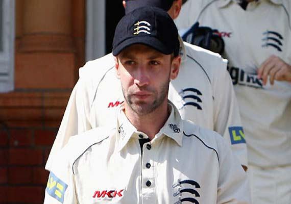 Phil Hughes recalled to replace Ponting
