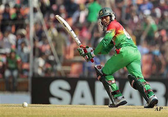 Samuels scores 126, Windies beat Bangladesh by 4 wickets
