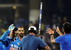 Dhoni's gift to Virat after match winning knock against South Africa