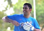 World Cup 2015: Injury scare for India skipper MS Dhoni ahead of UAE clash