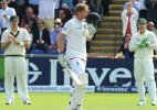 Joe Root ton lifts England to 343-7 on 1st day of 1st Ashes test
