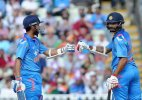 Tri-series 2015: India wins toss, bats in 2nd ODI vs Australia