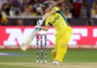 Live updates: Austalia lose their 3rd wicket, World Cup Final