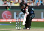 Live updates: New Zealand loses McCullum early, World Cup Final