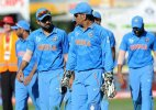 Don't make a big deal out of Virat's dismissal: Dhoni