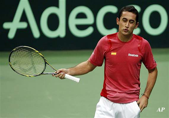 Almagro beats Roddick in Miami exhibition final