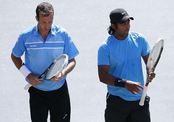 Paes-Stepanek lose in Japan Open final