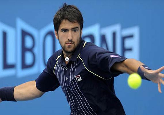 Tipsarevic beats Simon in Japan Open