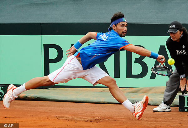 Youzny, Fognini advance at St. Petersburg Open
