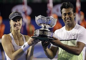 Australian Open 2015: Paes-Hingis clinch mixed-doubles crown