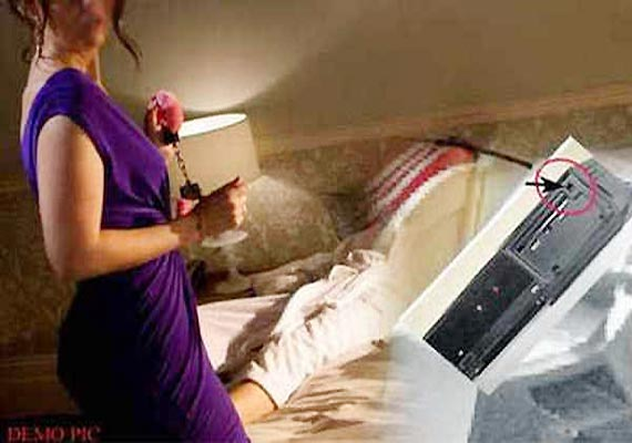 jaipur police finds 256 steamy video clips of honeymoon couples from hotel manager. Black Bedroom Furniture Sets. Home Design Ideas
