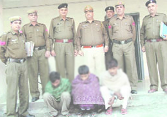 Robbers's gang busted, one kg gold recovered in Mhow
