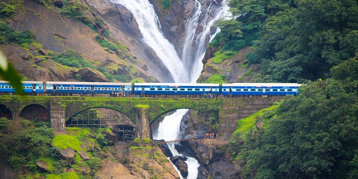 Here Are Top Scenic Train Rides Across India That Will Make You Hop On Trains Again 4